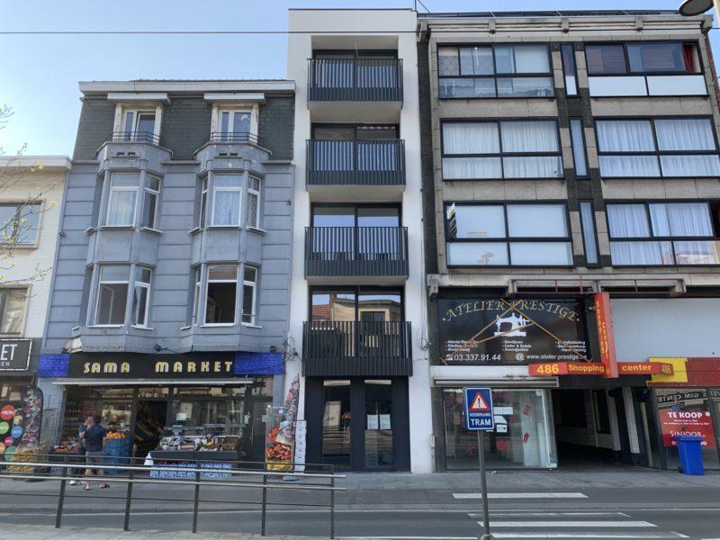 Verbouwing handelshuis tot appartementsgebouw